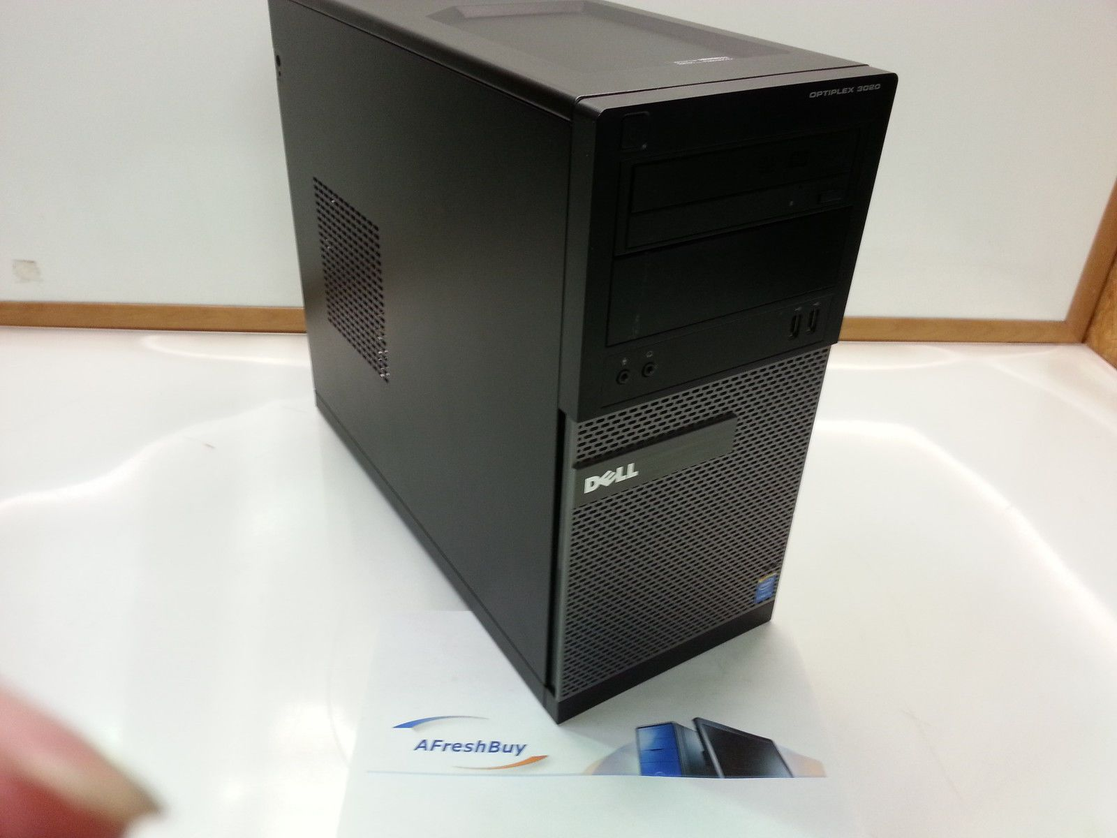 Dell Optiplex 3020MT - Intel Core i5-4590 3.60 GHz, 4GB DDR3, 500GB HDD, VGA Intel HD Graphics 4600