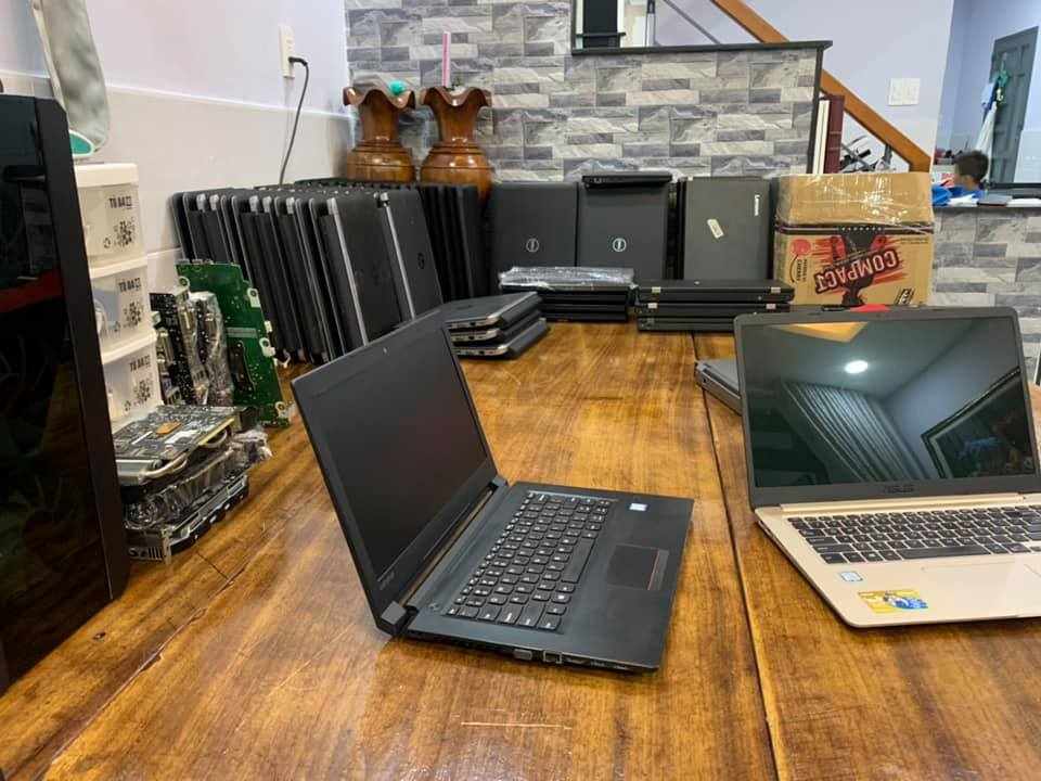 Laptop Lenovo V310-14ISK 80SX004NVN - Intel core i3-6006U, 4GB RAM, ssd 128 m2 , Intel HD Graphics 520, 14 inch pin trâu
