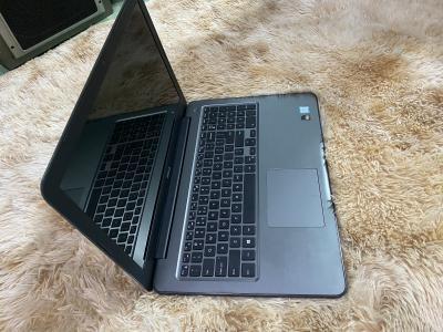 Dell ínpiron 5567 i7-7500u 16gb ssd256gb vga  amd Radeon m440 MỚI 96%