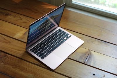 Thanh lý macbook cũ
