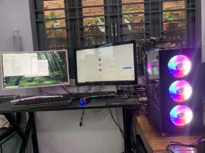 máy tính chạy main gigabyte Aorus cpu i7-8700 ram 16gb vga zotac gtx 1070 8gb ssd 256 , hdd 1000gb case kính cường lực fan led nguồn khủng
